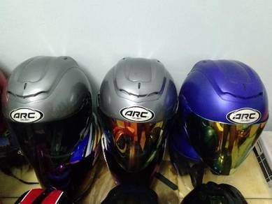 Ada bayak helmet nak jual Arc sebiji 70 Mhr 150