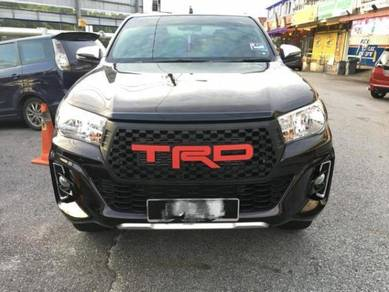 Toyota Hilux Rocco L Edition Grill TRD