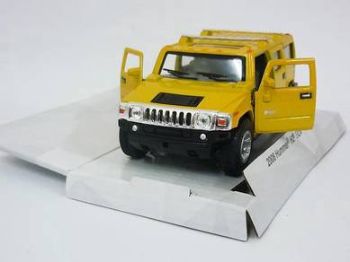 2008 Hummer H2 SUV 1/40 Diecast car - Yellow