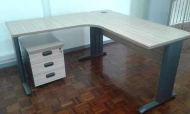 L shape office table Code:OT-229