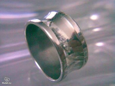 ABRSS-U004 Silver Over Wide Unique Center U Ring
