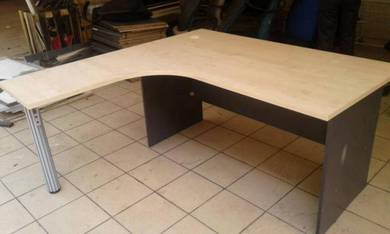 L shape Office table Code:OT-224