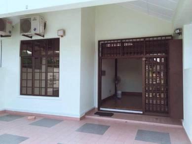 Single Storey Terrace Intermediate lot House Taman Molek / Johor Jaya