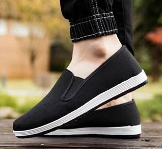 J0268 Simple Black Canvas Men Slip On Casual Shoes