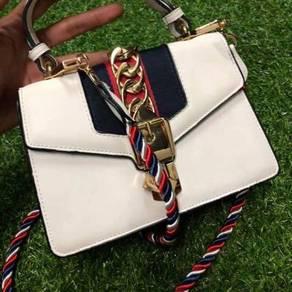 GUCCI Preloved Sling Bag