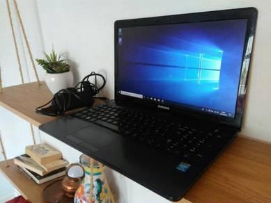 Samsung ATIV BOOK 270E 15.6 500GB Laptop Win 10
