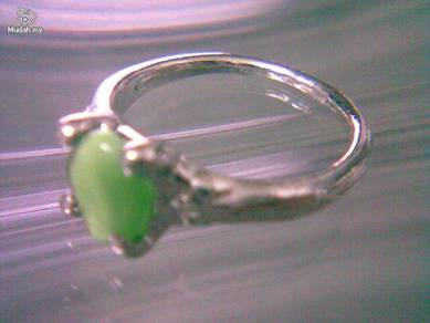 ABRSB-G006 Cat Eye Green Bead Silver Ring Size 8