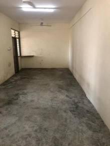 Flat Baiduri / Taman Perling / Bukit Indah / Below Market value