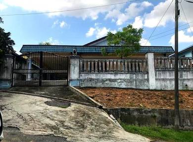 Bungalow & corner lot house ( kempas lurah )