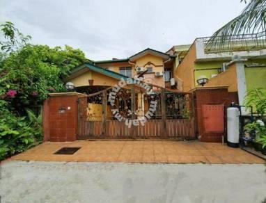 Double Storey Bandar Putra Permai, Seri Kembangan(RENOVATED &NICE UNI)