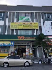 3 Storey Shop at Sri Klebang Facing Main Road