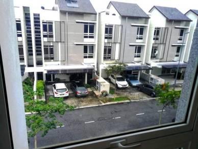 WOW DREAM HOUSE - 2.5sty END LOT Hyperlink LUXURY & MODERN Precint 14