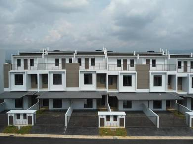 3 Storey Terrace House Bayan Parkhomes Batang Kali For SALE